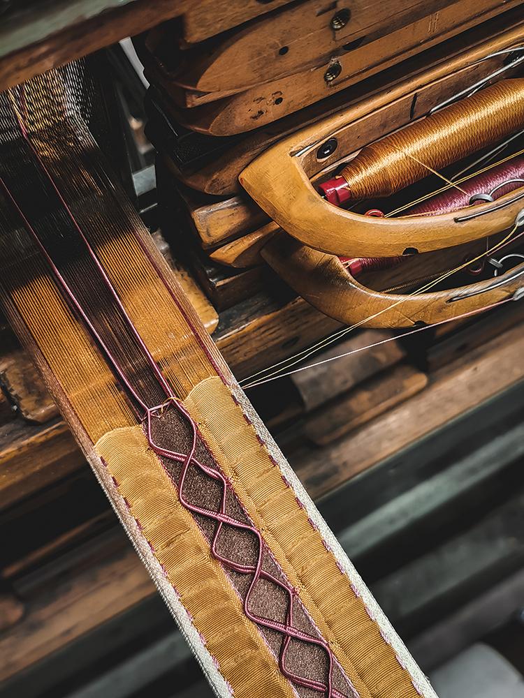 Julien-Faure-weaving-ribbon