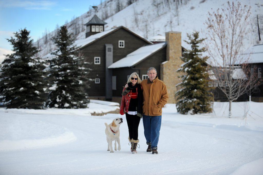 Linda & Bill Porter with Dog